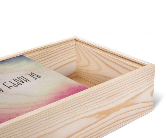 داخل جعبه هدیه چوبی اختصاصی مستطیلی