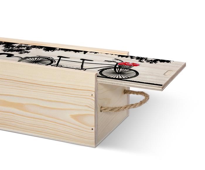 در نیمه باز جعبه کشویی چوبی اختصاصی