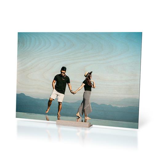 قاب عکس عروسی چوبی روی پایه رومیزی