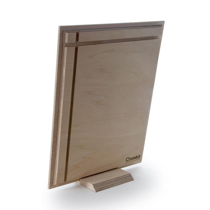 نمای پشت عکس چوبی 30×40 عمودی روی پایه رومیزی